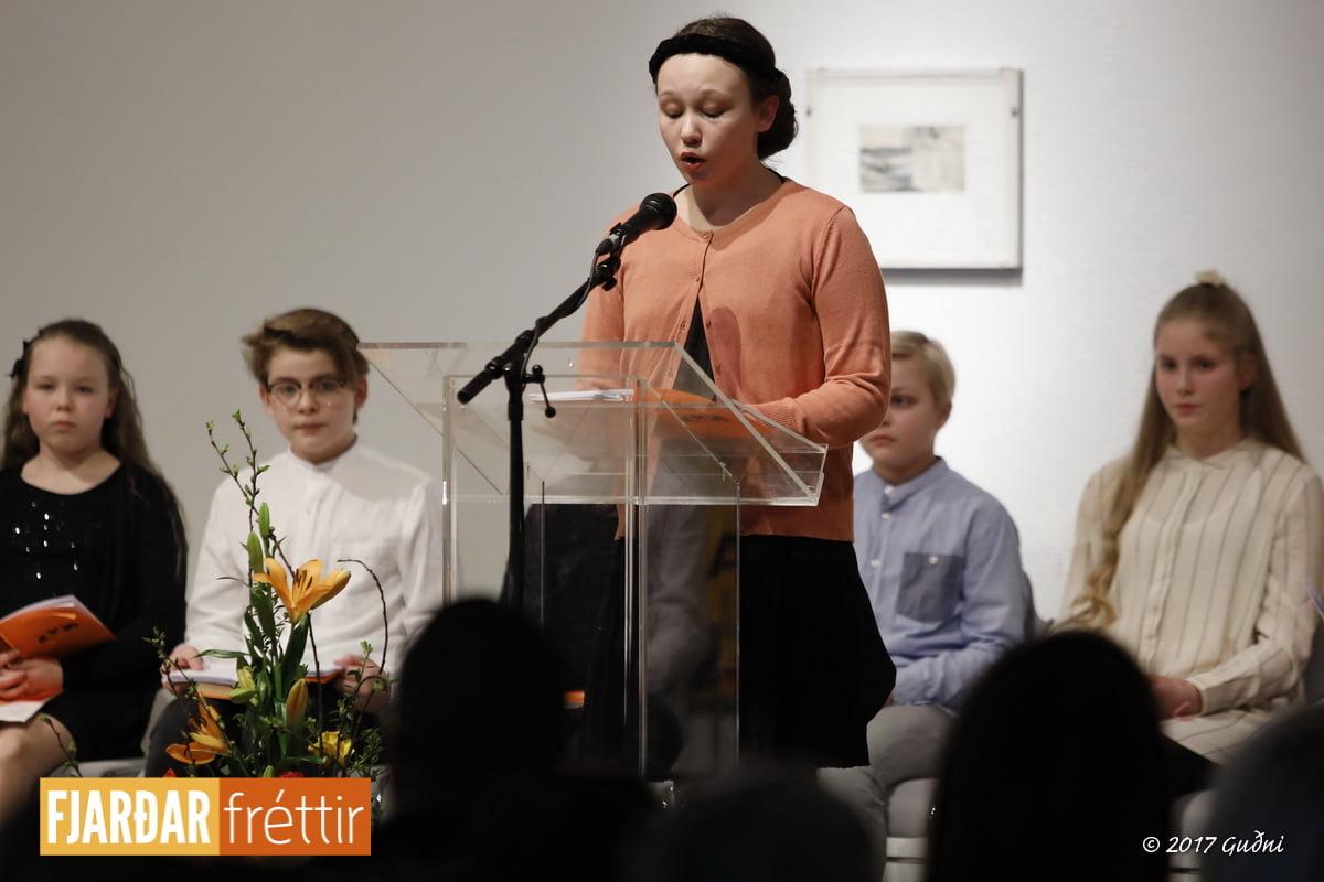 Sara Aurora Lúðvíksdóttir