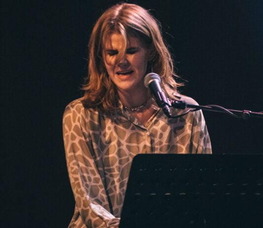 Viktoría Tómadóttir